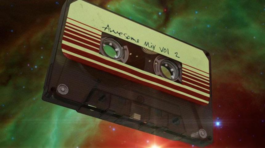 Découvrez les pièces cultes qui se trouvent sur l'Awesome Mix Vol. 2
