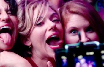 Bande-annonce en français : Dure soirée avec Scarlett Johansson