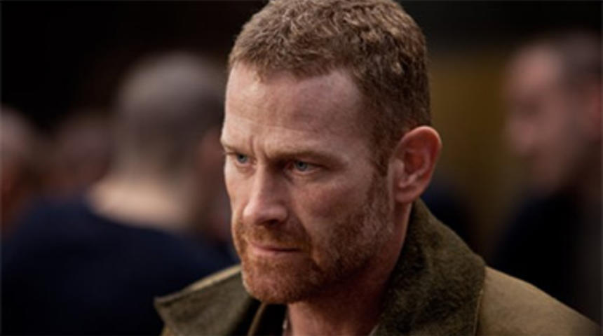 Max Martini dans Fifty Shades of Grey