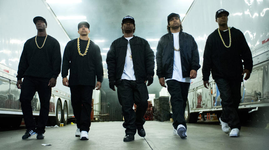 Box-office nord-américain : Straight Outta Compton reste premier
