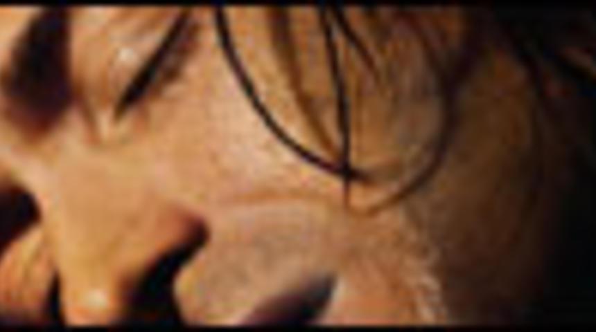 Affiche et bande-annonce du film Dédé à travers les brumes