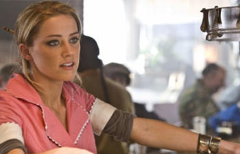Amber Heard dans Motor City
