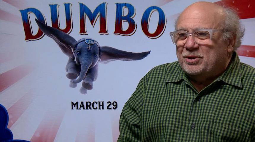 Entrevue vidéo : L'adorable Danny DeVito nous parle du film Dumbo