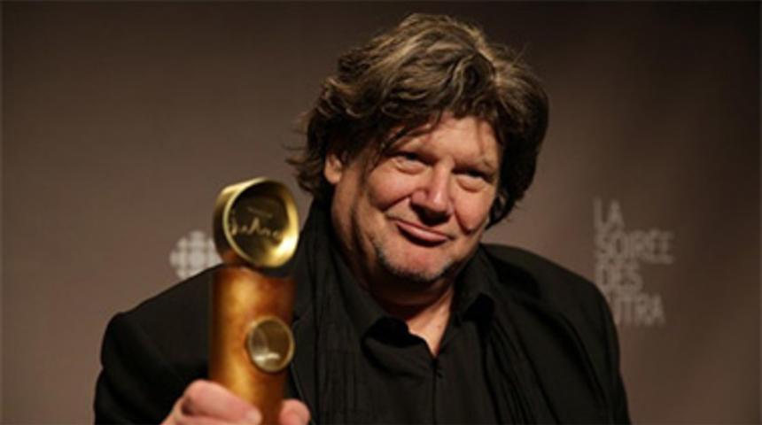 Michel La Veaux tourne le documentaire Hôtel La Louisiane à Paris