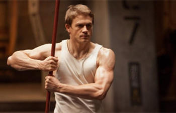 Charlie Hunnam se retire de Fifty Shades Of Grey