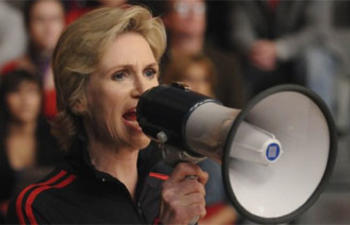 Jane Lynch incarnera la mère supérieure