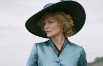 Michelle Pfeiffer pourrait jouer dans le prochain film de Tim Burton