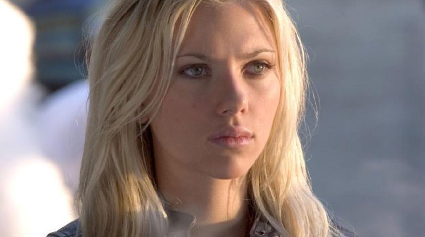 Scarlett Johansson sera un extra-terrestre déguisé en femme fatale